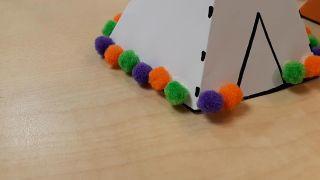 Cómo hacer tipis de papel (¡con plantillas gratuitas!) - Paso 5