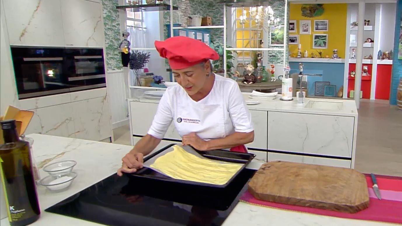 Brazo gitano con melocotón, receta de Eva Arguiñano - paso 2