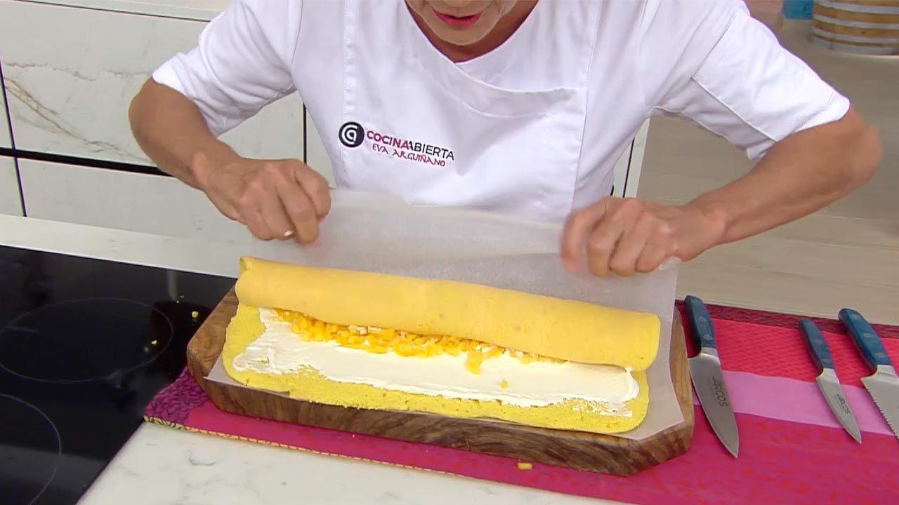 Brazo gitano con melocotón, receta de Eva Arguiñano - paso 3