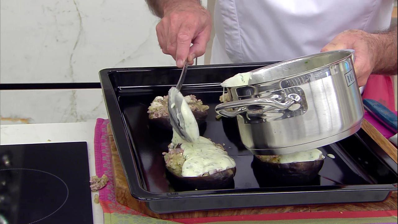 Berenjenas rellenas de carne y queso