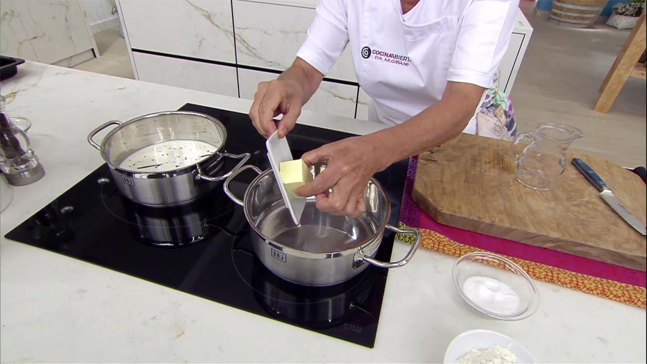 Elaboración de la receta de relámpagos rellenos de crema