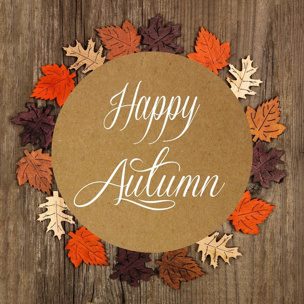 Lettering en soporte de madera para otoño