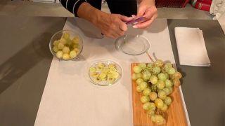 Mascarilla natural de uvas para evitar la caída del cabello - paso 1