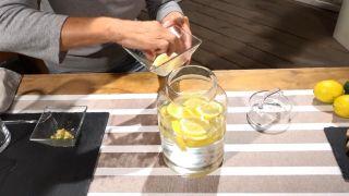 Remedio natural para prevenir la artrosis - Agua y limón