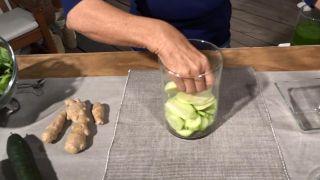 Batido desintoxicante para limpiar y depurar el organismo - Pepino y manzana verde