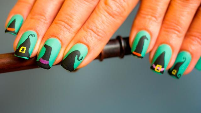Diseños de uñas para manicuras de Halloween - Gorros de bruja