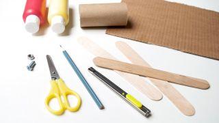 Cómo hacer un avión con el cartón del papel higiénico y palos de polo, ¡fácil y rápido! - Materiales