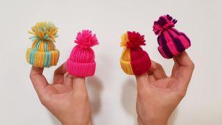 Cómo hacer gorritos de lana en miniatura, ¡es muy fácil!