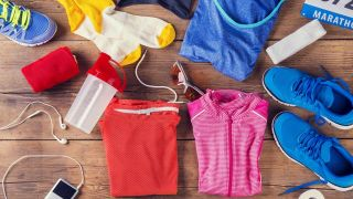 Cómo lavar la ropa deportiva y evitar que huela mal