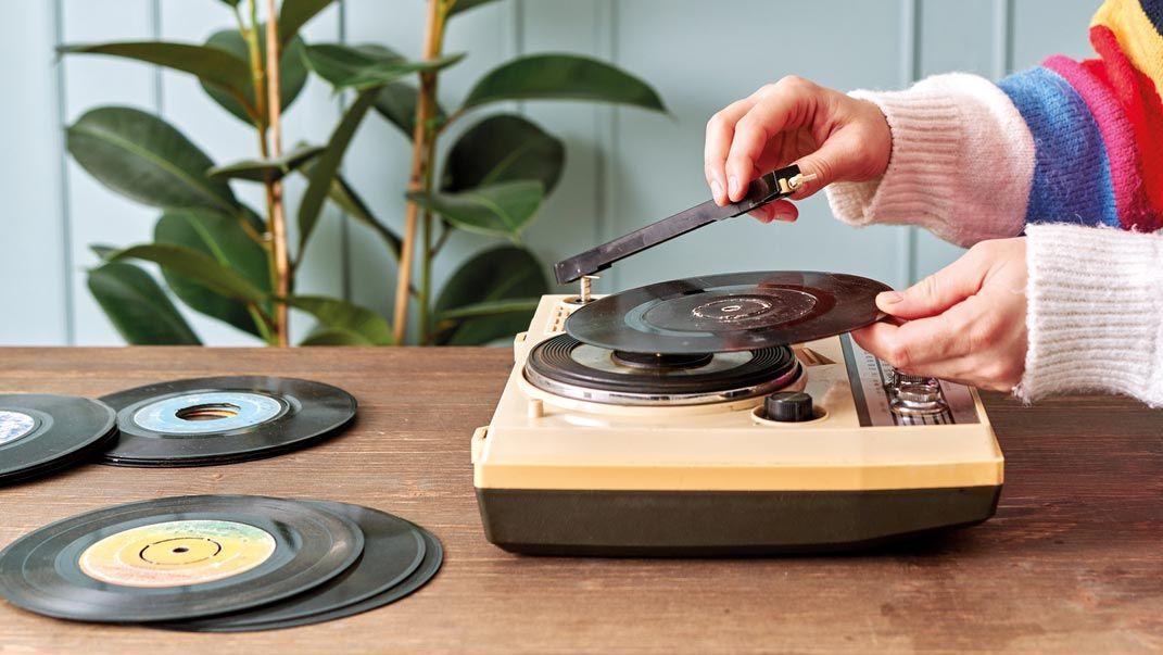 6 cosas vintage que te traerán nostalgia y ahora decorarán tu casa: Tocadiscos