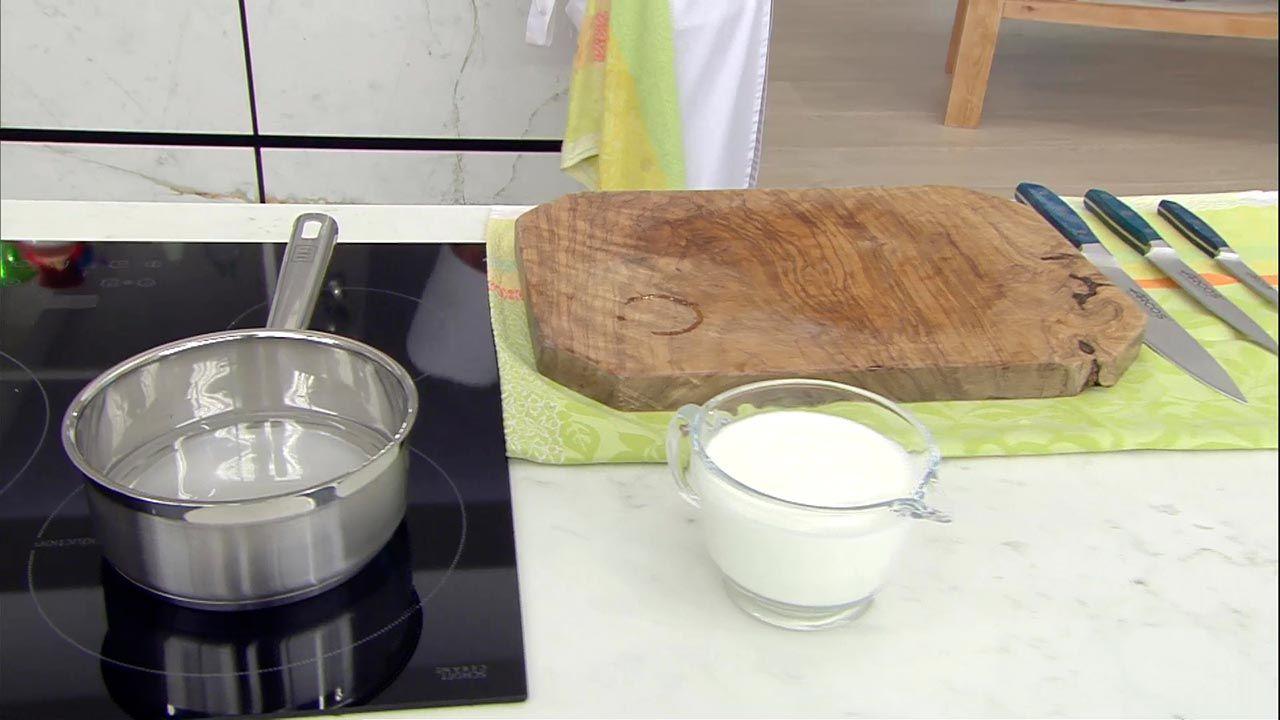 Yogur con dados de melocotón