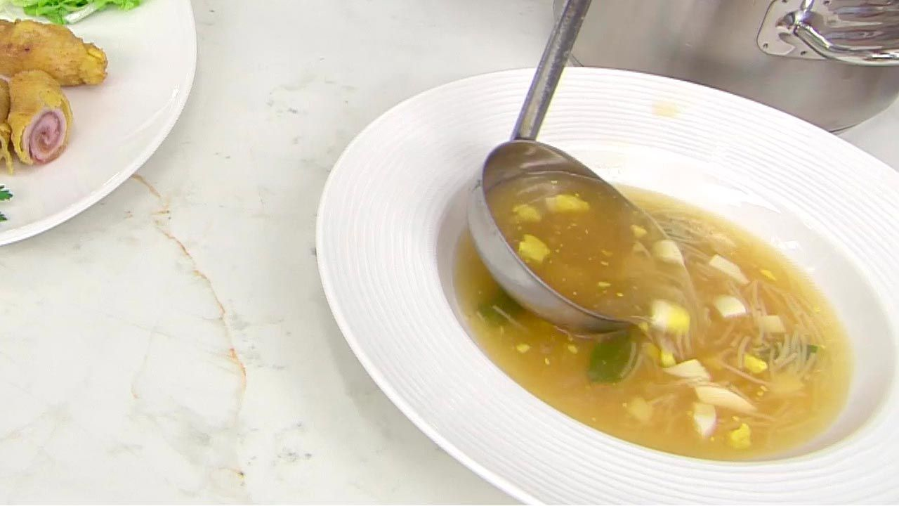 Sopa a la hierbabuena