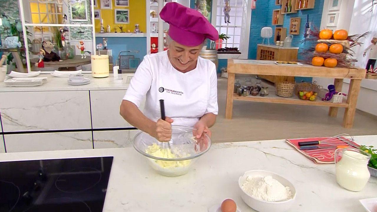 Tarta de ciruelas pasas: un postre fácil al horno de Eva Arguiñano - paso 2