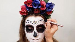 Cómo hacer maquillaje de Catrina o calavera mexicana - paso 7