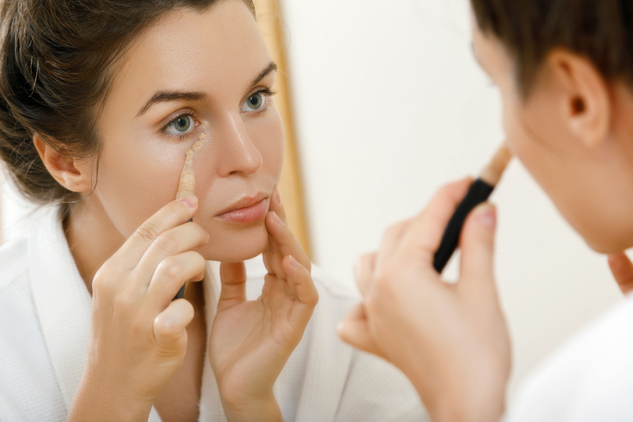 maquillaje para disimular bolsas y ojeras