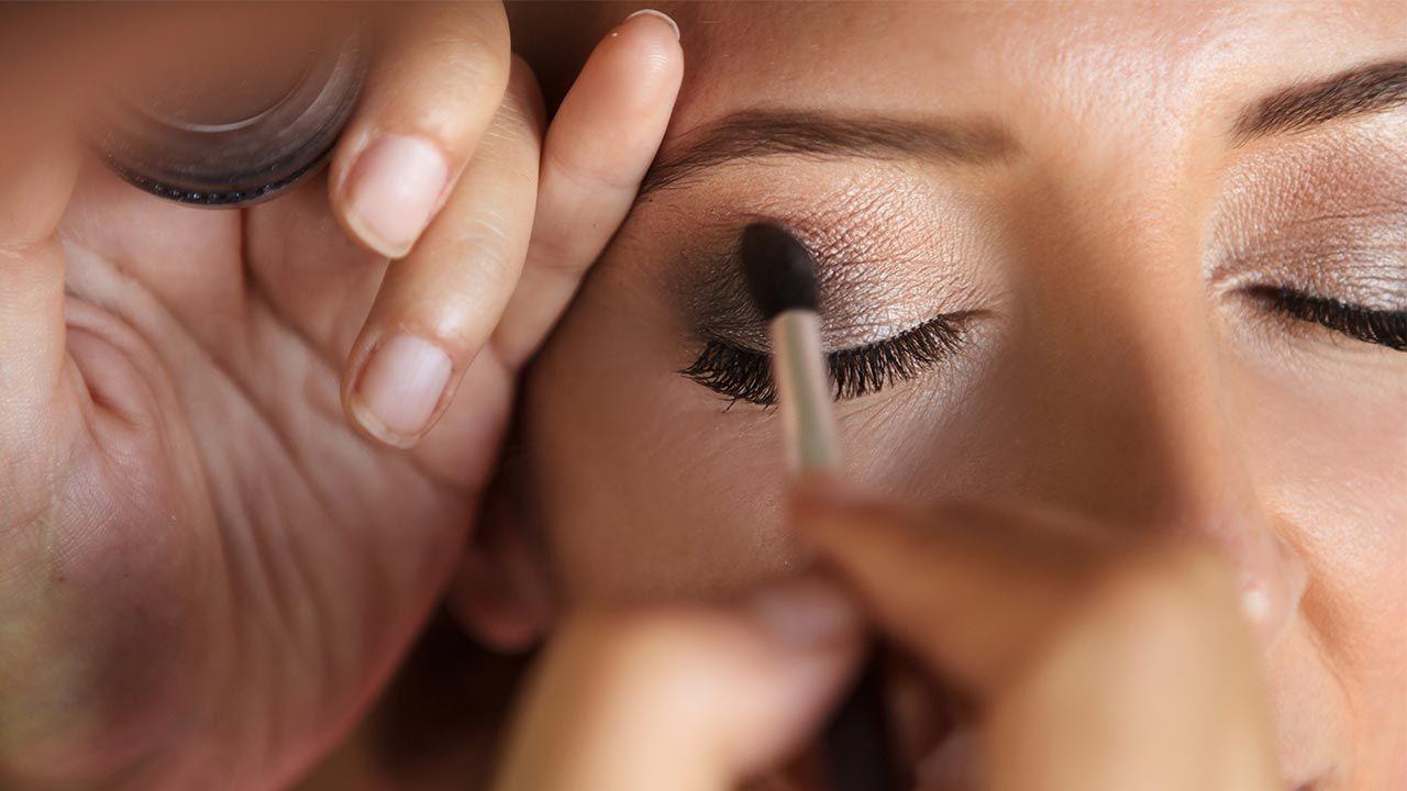 brochas de maquillaje para aplicar sombras de ojos