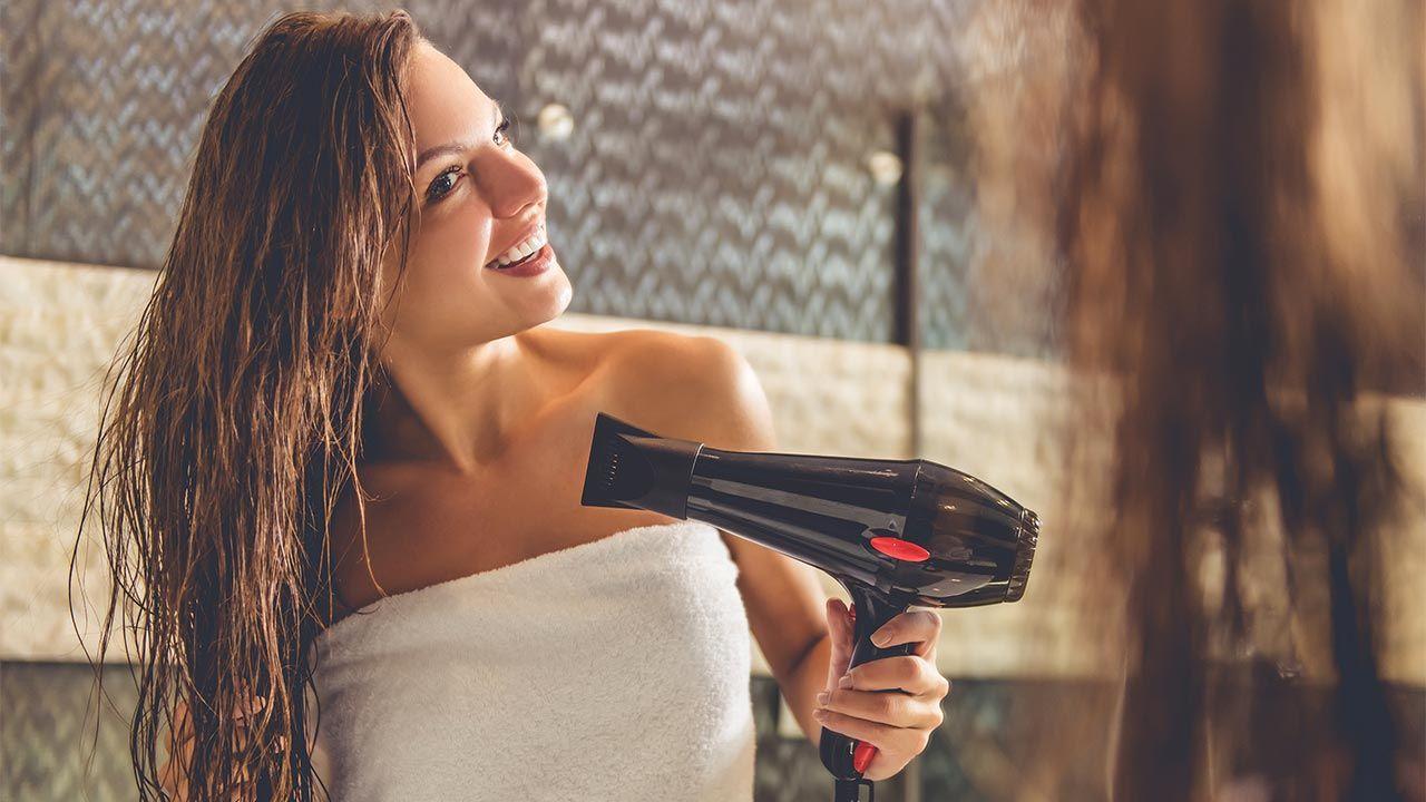 cómo usar el secador de pelo