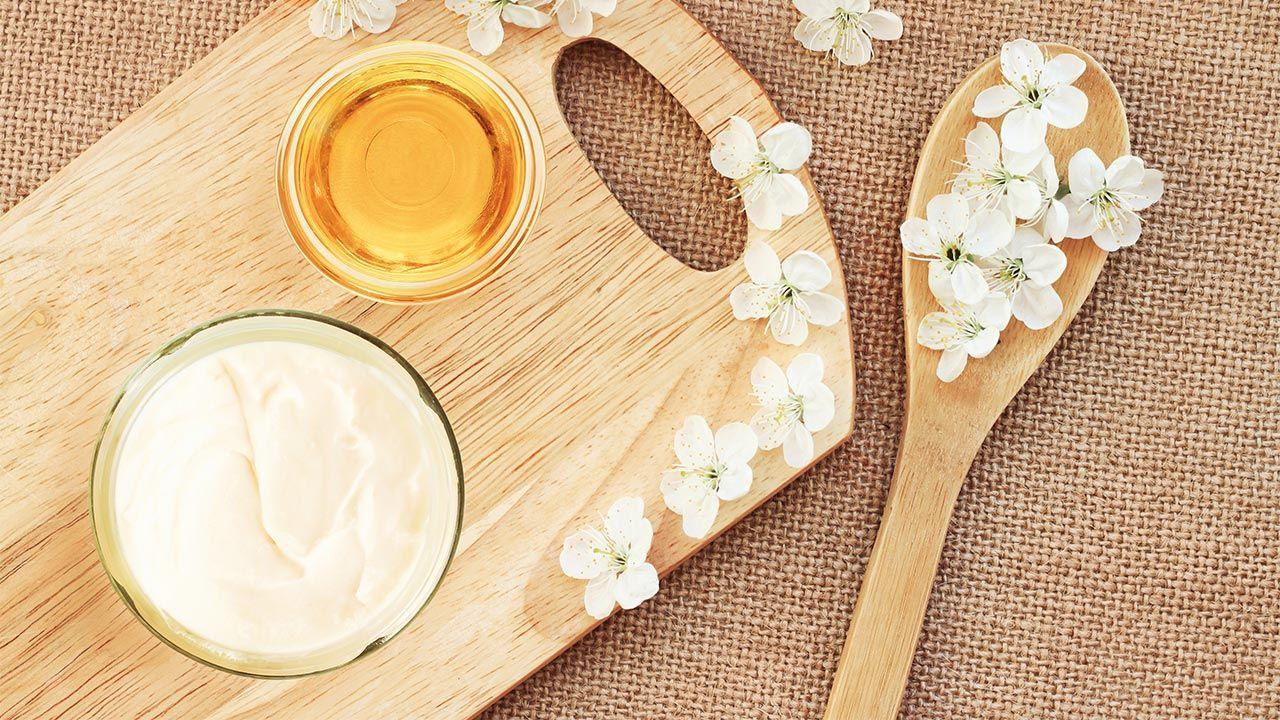 mascarilla casera de yogur y miel para limpiar poros