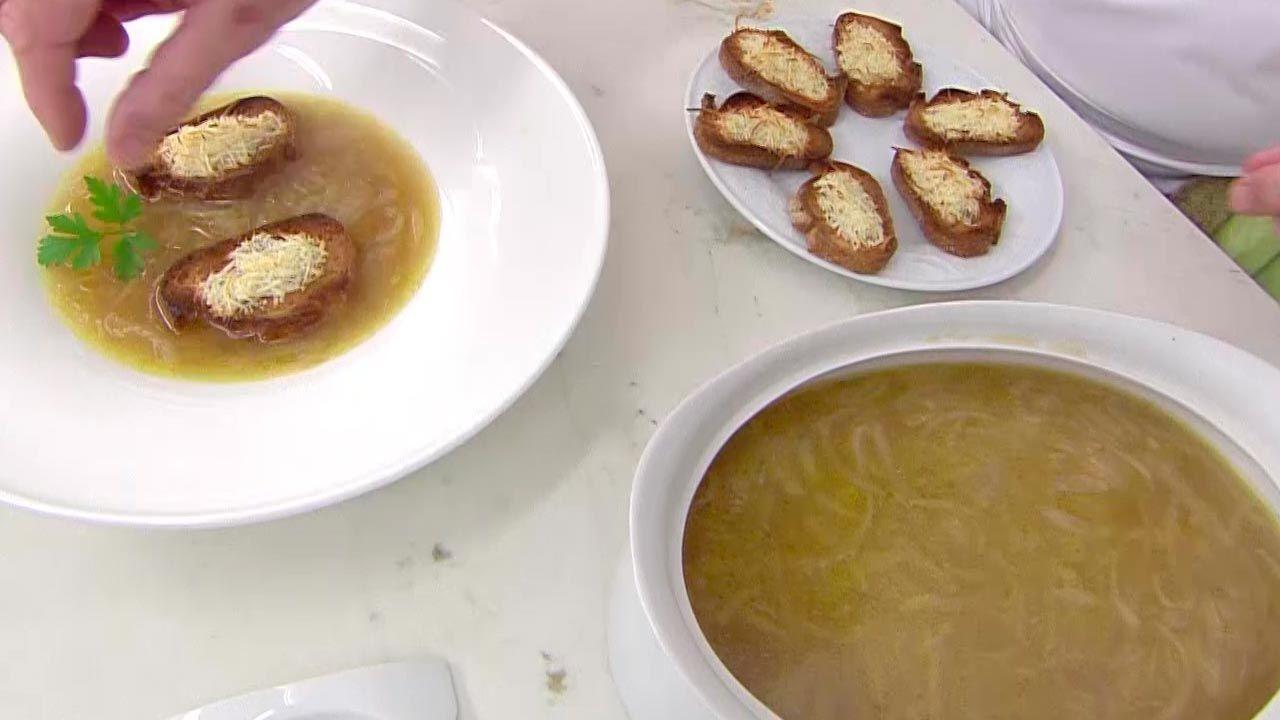 Sopa de cebolla y queso gratinado