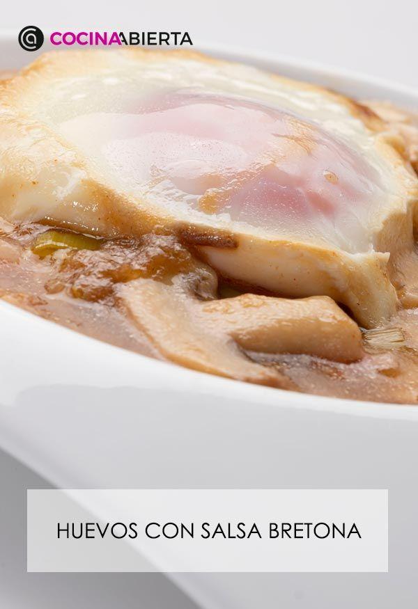 Huevos con salsa bretona