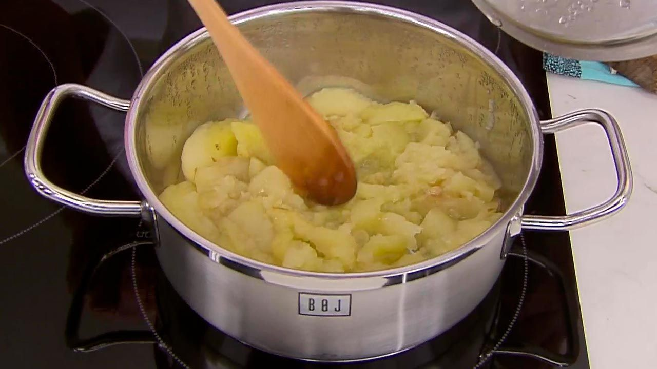 Carrilleras de cerdo con puré de manzana