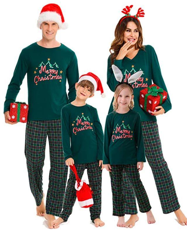 pijamas navideños en familia
