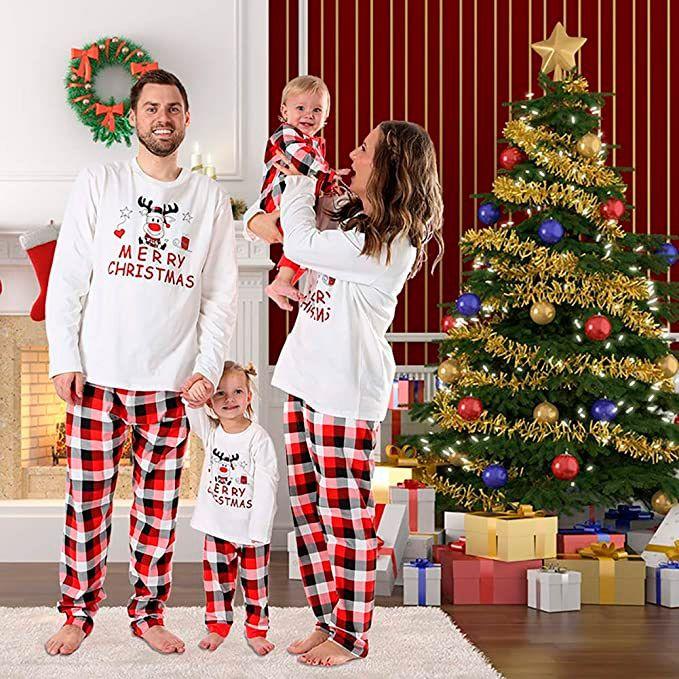 pijamas de navidad en familia