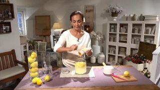 Remedios natural para aprovechar las propiedades de la cáscara del limón - Miel o azúcar moreno