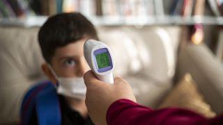 5 artículos tecnológicos para mejorar tu salud y prevenir enfermedades - Termómetro infrarrojos