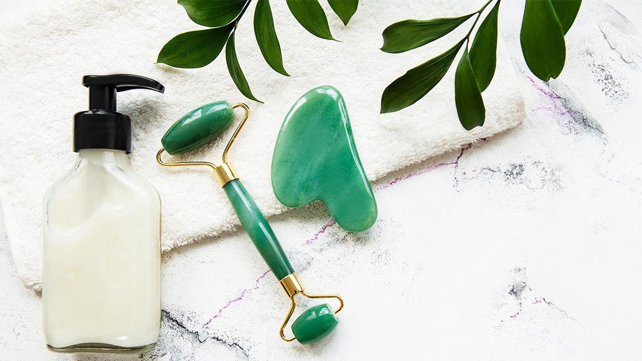 masaje gua sha con piedra jade