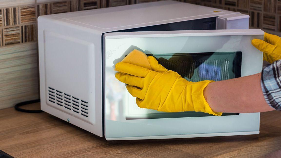 Cómo limpiar el microondas con bicarbonato de sodio