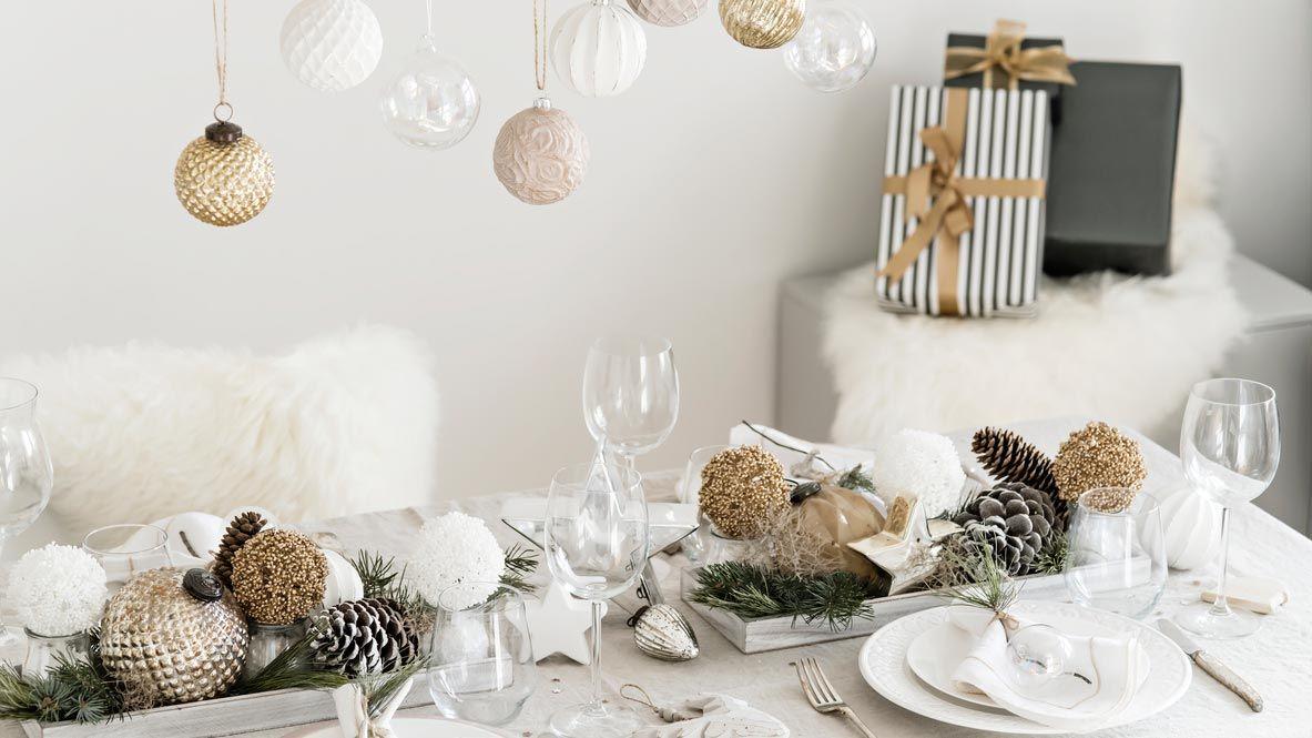 Ideas para decorar la mesa en Navidad - Decoración en blanco