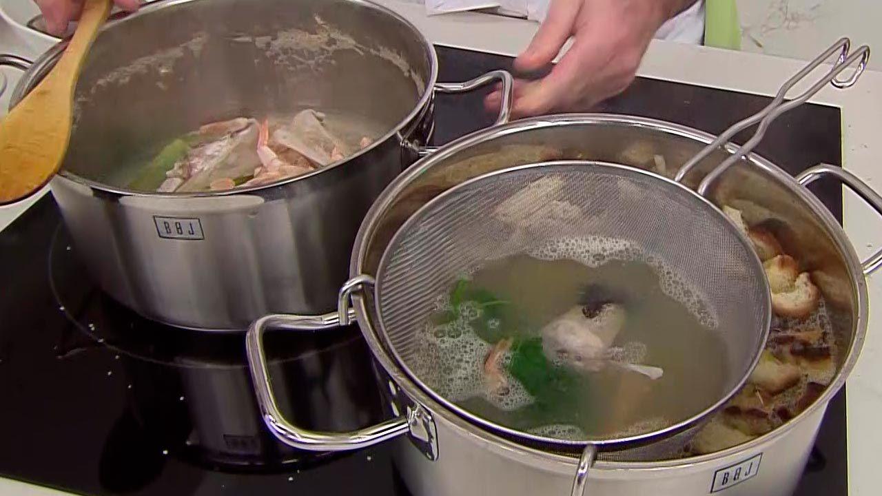 Sopa de pescado con berberechos