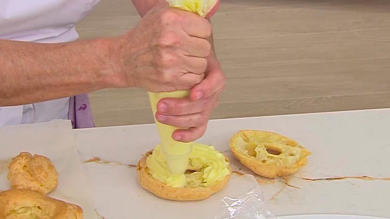 Corona de pasta choux