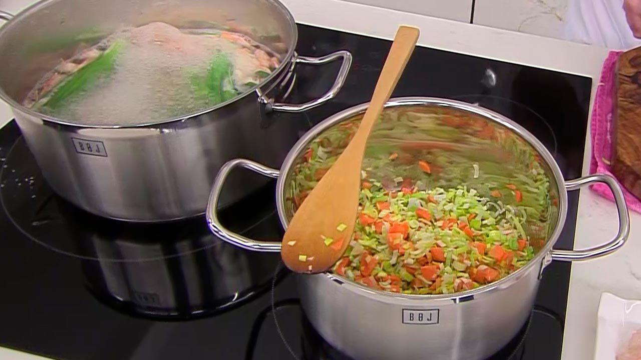 Sopa de arroz y gambas