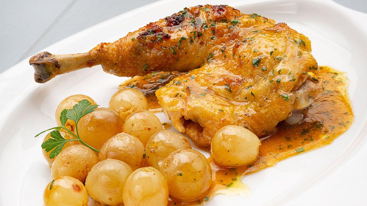 Receta de pollo asado con uvas por Karlos Arguiñano - Presentación