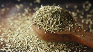 Romero, planta aromática con acción antidepresiva y estimulante circulatoria - Tintura