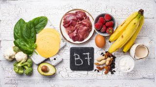 5 vitaminas y minerales para cabello fuerte y bonito - Alimentos ricos en vitamina B7 o Biotina.