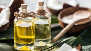 Aceite de coco: ¿Por qué triunfa como ingrediente para cuidar el cabello? - Frenar el encrespamiento