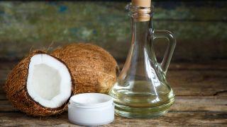 Aceite de coco: ¿Por qué triunfa como ingrediente para cuidar el cabello? - Cómo se aplica en el pelo