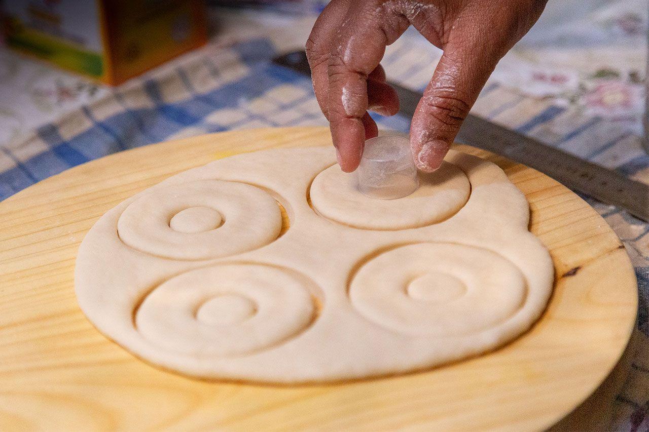 Cómo hacer donuts caseros esponjosos - Paso 5