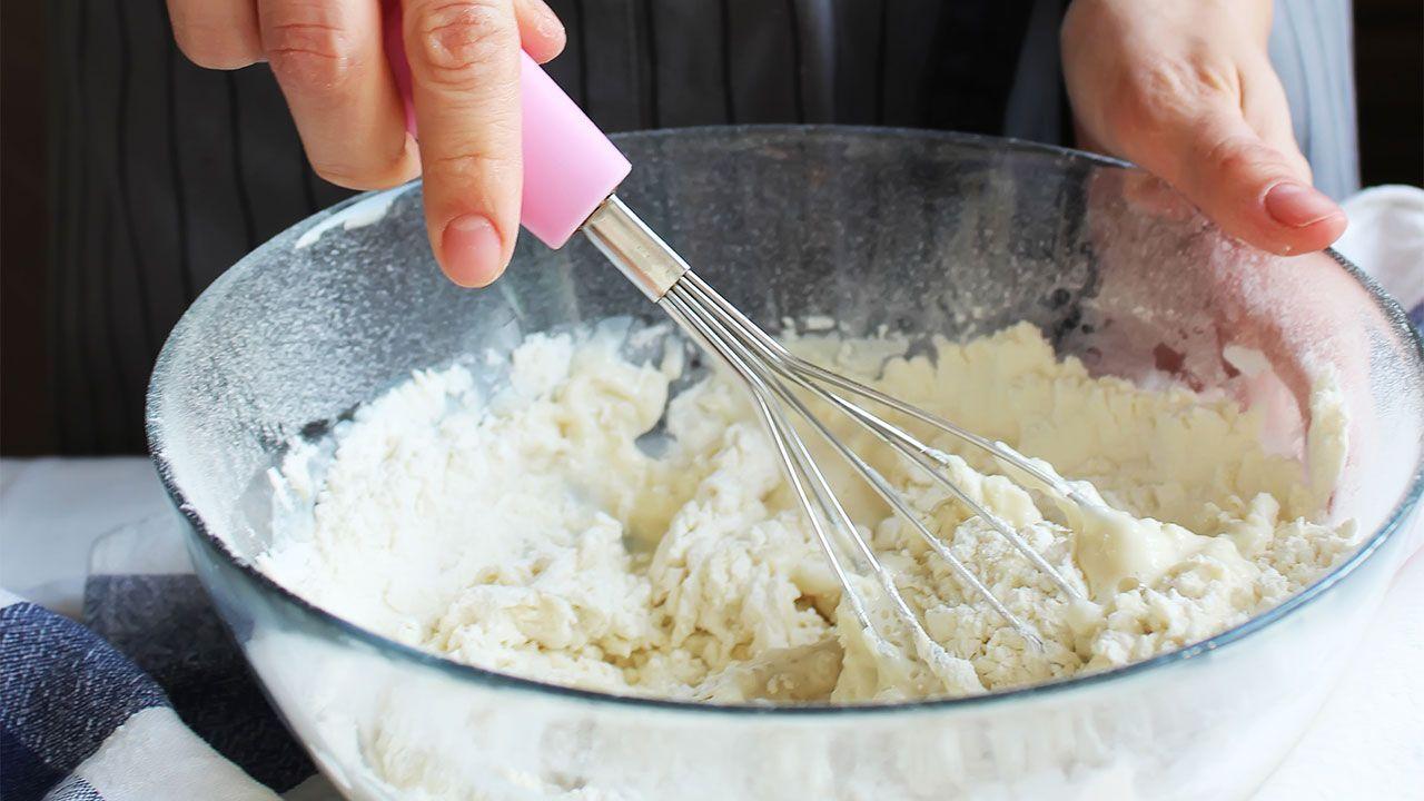 Cómo hacer el pan de queso Khachapuri - la masa