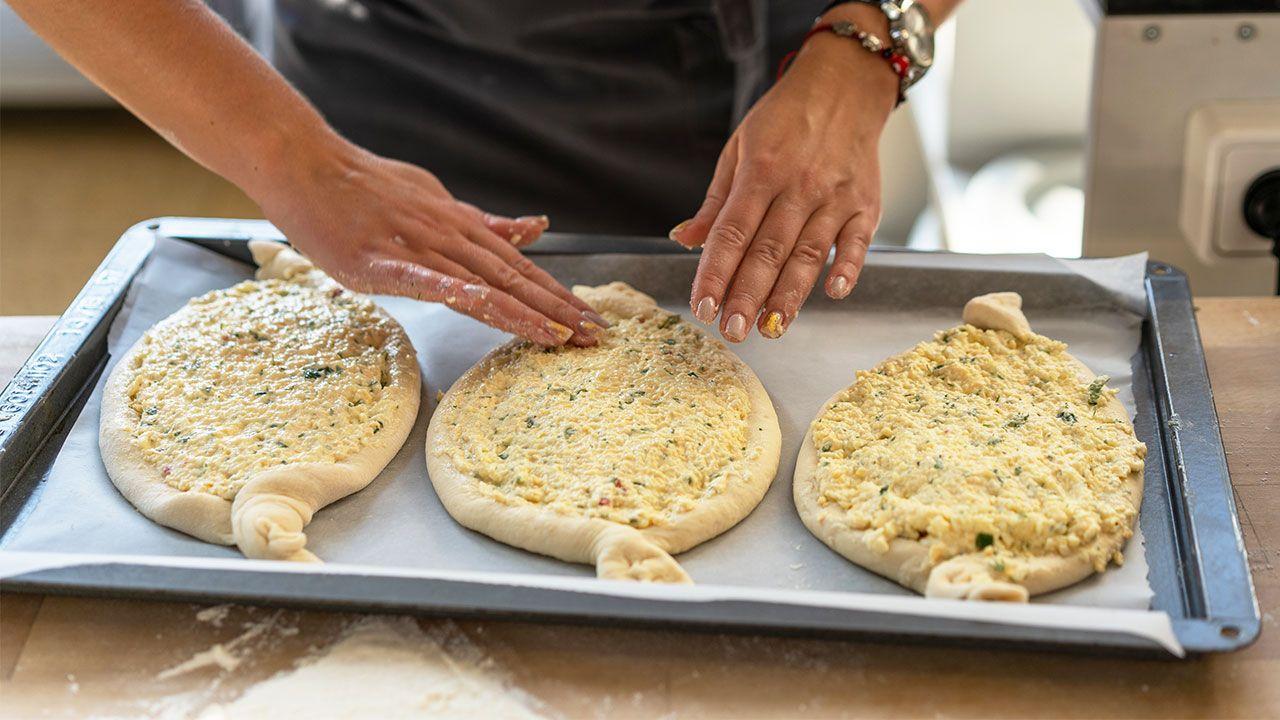 Khachapuri, el pan de queso Georgiano - paso 2