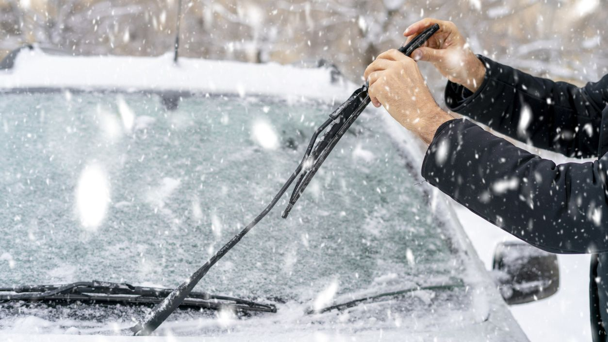 Cómo descongelar el parabrisas con trucos caseros