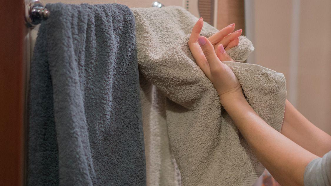Quitar el olor a humedad de las toallas