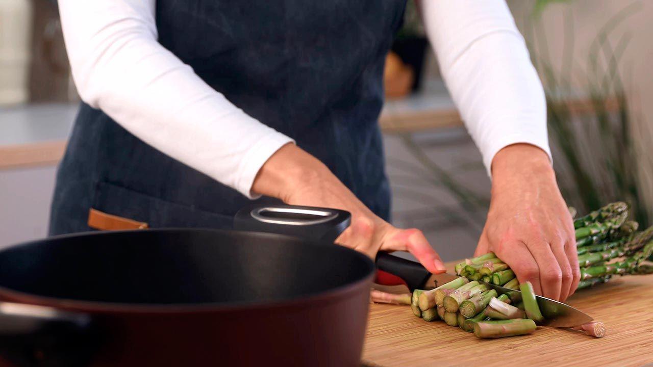Receta de Ensalada de arroz integral con pollo y espárragos trigueros - Paso 1