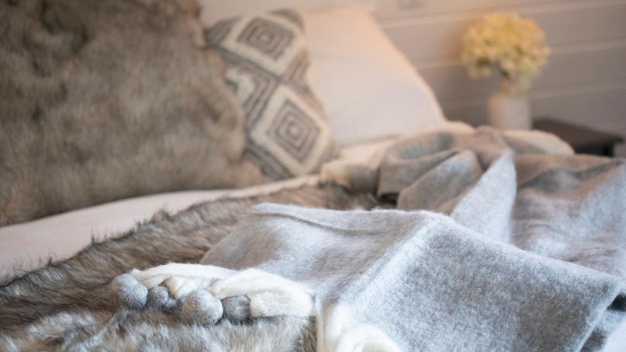 Dormitorios en gris para salir del clásico blanco