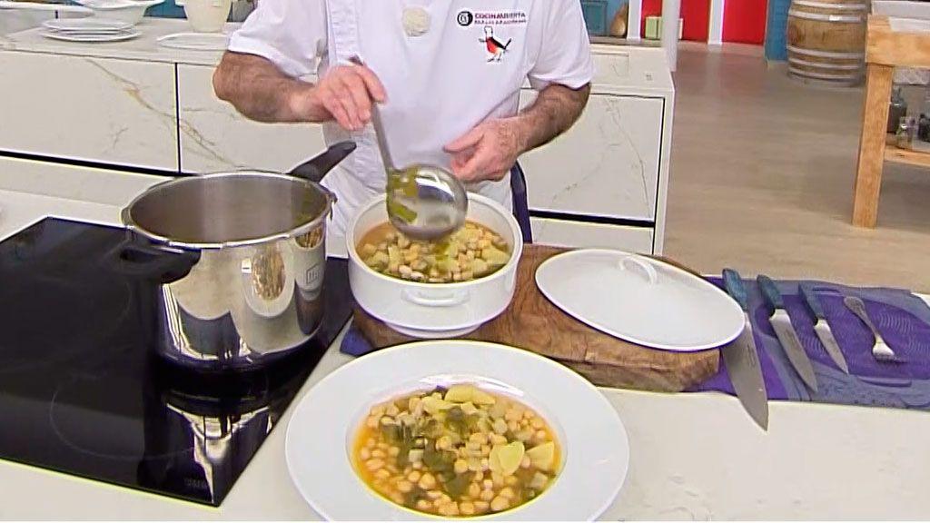 Cocido de acelgas con pringá (en la olla rápida), un potaje tradicional andaluz por Karlos Arguiñano - Paso 5