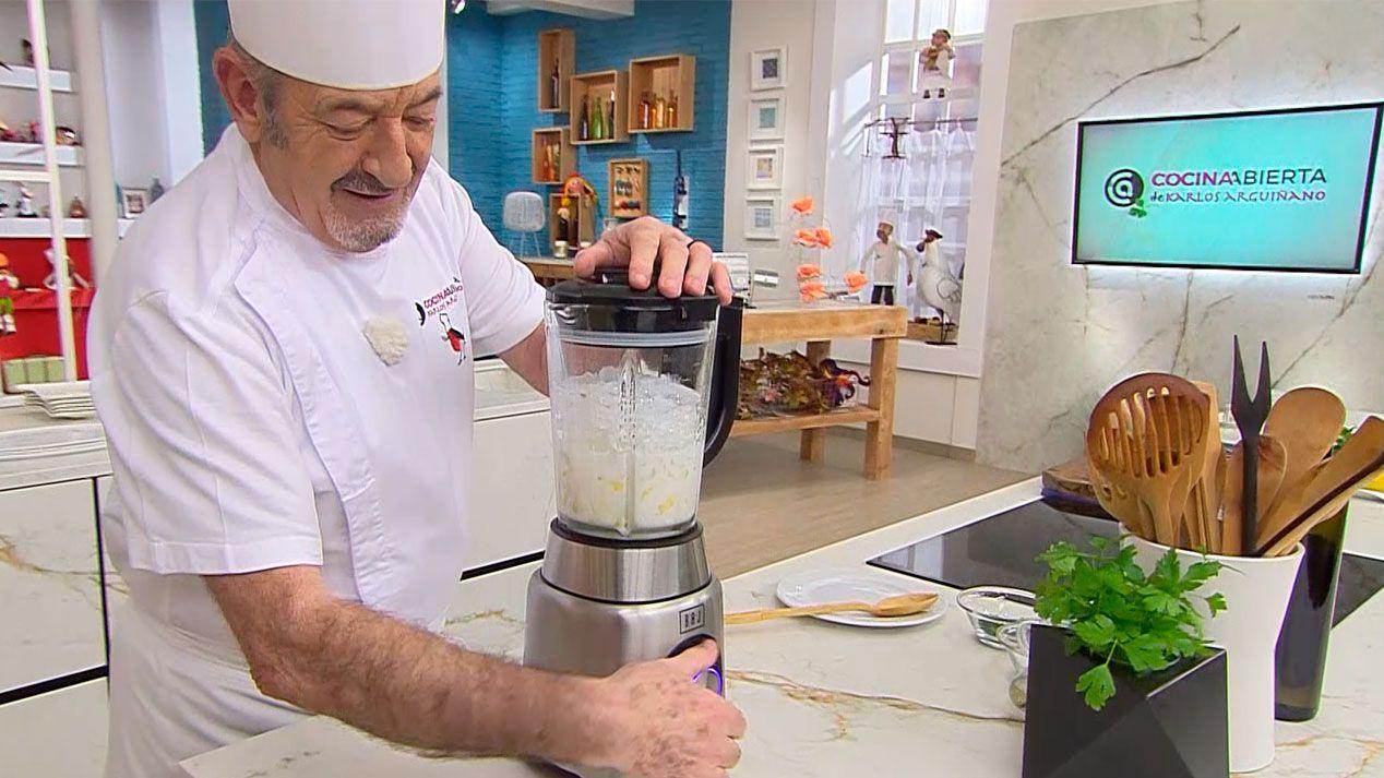 Sorbete de piña colada con leche de coco, receta fácil y rápida de Karlos Arguiñano - paso 3