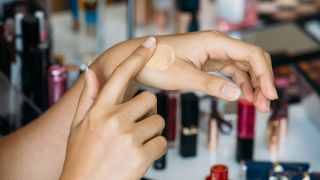 Mejor base de maquillaje para piel grasa